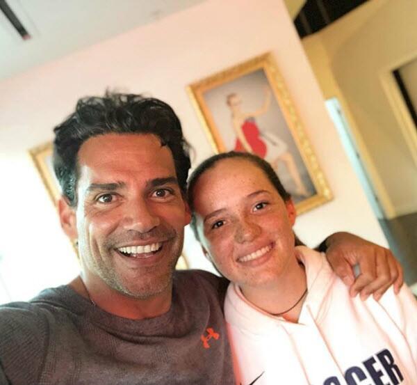Cristian de la Fuente y su hija