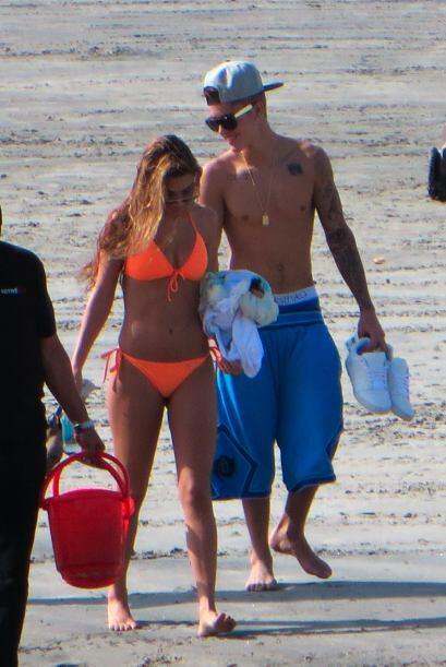 En cuanto recobró su libertad el 23 de enero, Justin se fue a Panamá con...