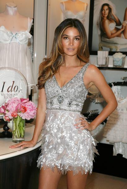 Lily Aldridge puso en marcha la nueva colección de novia 'Sexy Little Br...