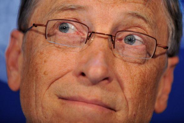 9. REDES SOCIALES LE CAUSAN DOLOR DE CABEZA- Bill Gates tiene una cuenta...