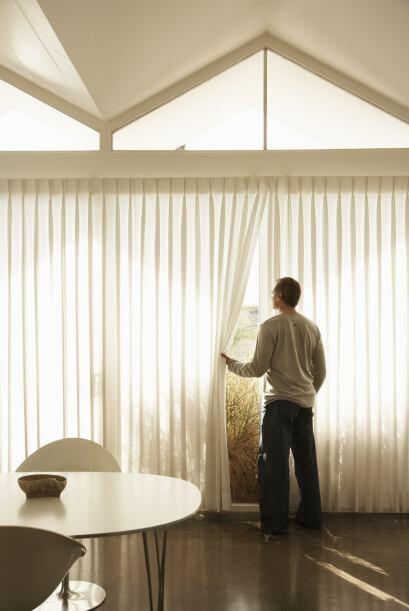Mejora la iluminación. Recurrir a cortinas livianas es indispensable en...