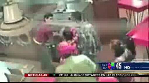 Captado en video: Niño fue metido en lavadora de ropa