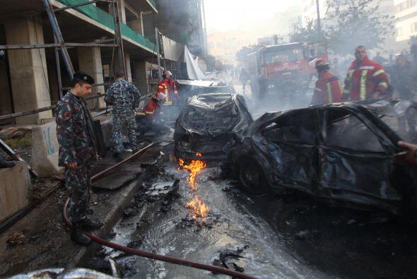 El ataque ocurrió en el centro del distrito comercial de Beirut, detrás...