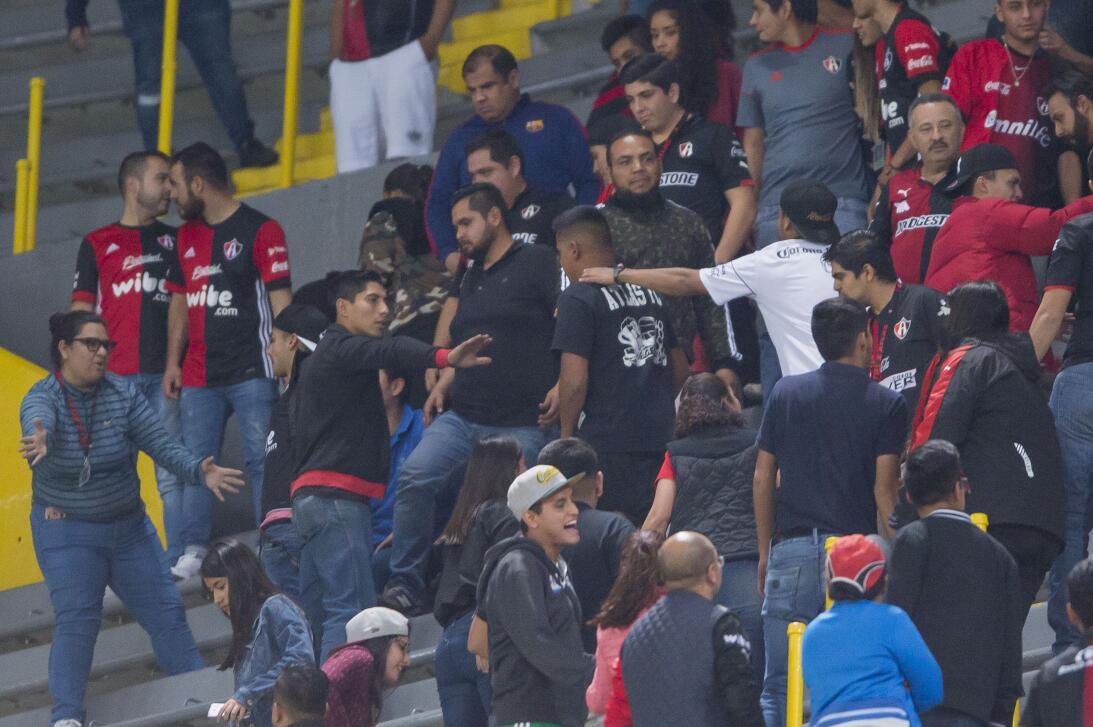Violencia en las tribunas del Atlas en Clausura 2018 20180223-7758.jpg