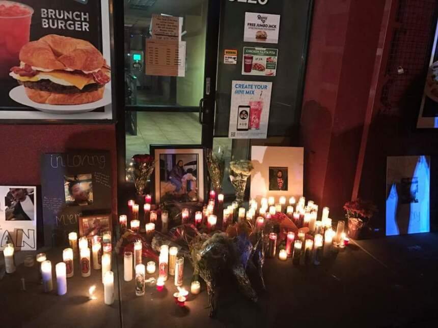 Afuera de un restaurante de comida rápida en El Monte se recuerda a Juan...