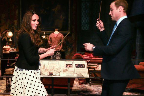 26 de abril de 2013  El príncipe Harry, la duquesa Catherine y el prínci...