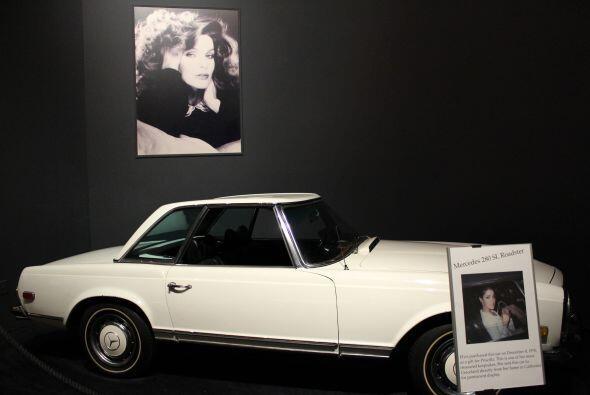 Te presentamos los carros más preciados de Elvis Presley. Te toparás con...