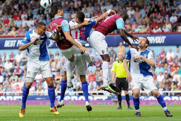 West Ham, último en la tabla, empató ante el Blackburn Rov...