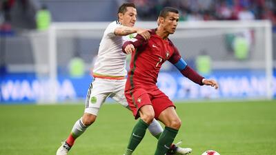 Andrés Guardado y Cristiano Ronaldo