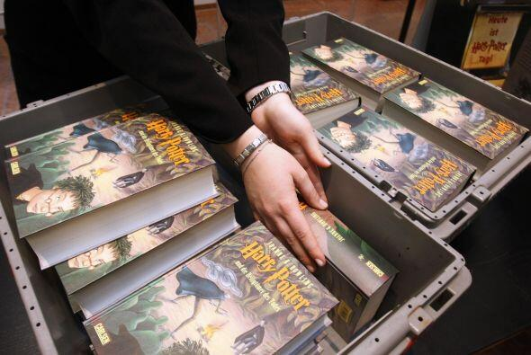 Aunque también ha leído todos los libros de la saga de Harry Potter, de...
