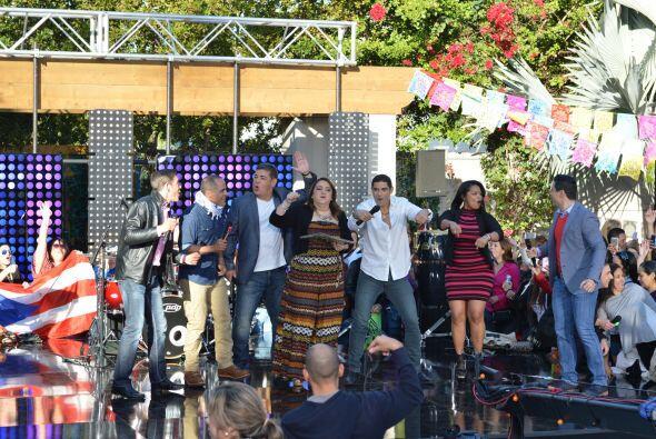Las fans bailaron y rieron con los integrantes de Menudo.