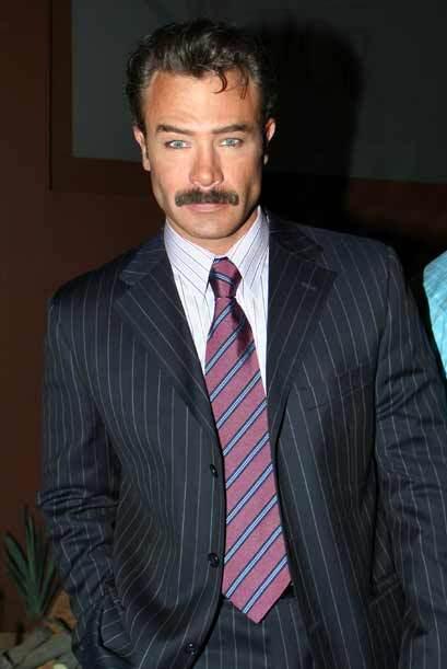 ¿Cómo prefieres a Sebastián Rulli? ¿Con o sin barba? 42.jpg