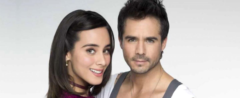 Esmeralda Pimentel y José Ron protagonizan la telenovela 'Enamorándo...