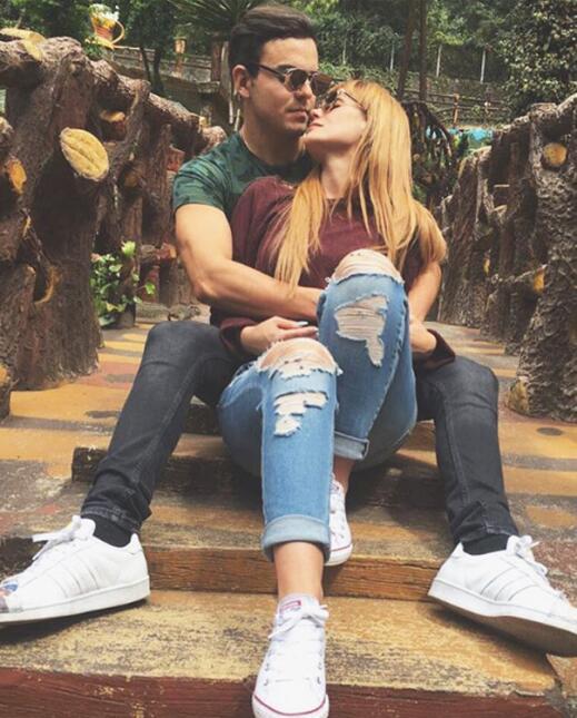 Laura Carmine y Adriano Zendejas