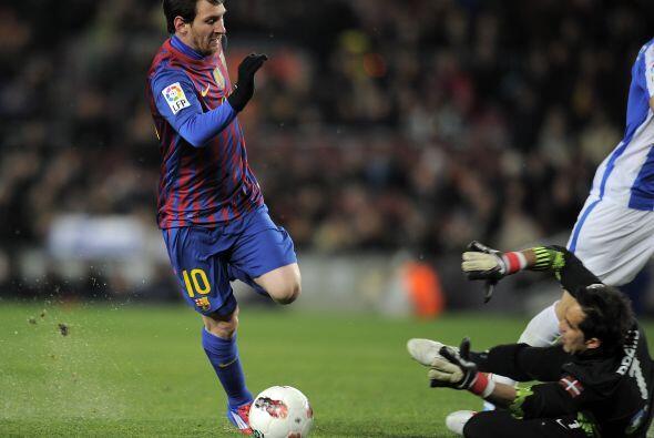 Eludió al portero chileno de la Real Sociedad y encaró hac...