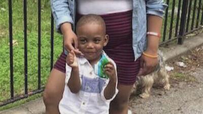 Consternación por la muerte a golpes de un niño en un apartamento en El Bronx