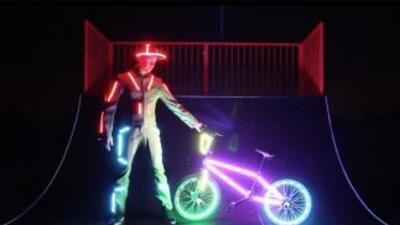 Algunas personas creen que todo se ve mejor con luces LED. Este video de...