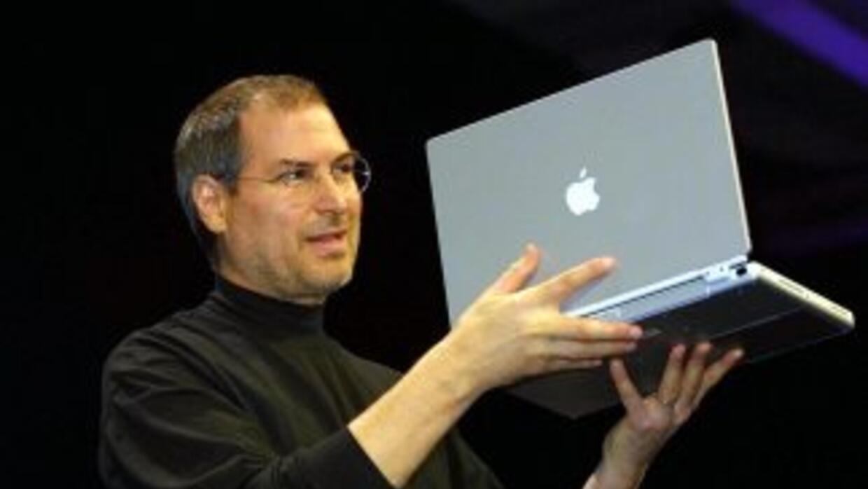 Se dio a conocer que Steve Jobs consumió drogas en la escuela secundaria...