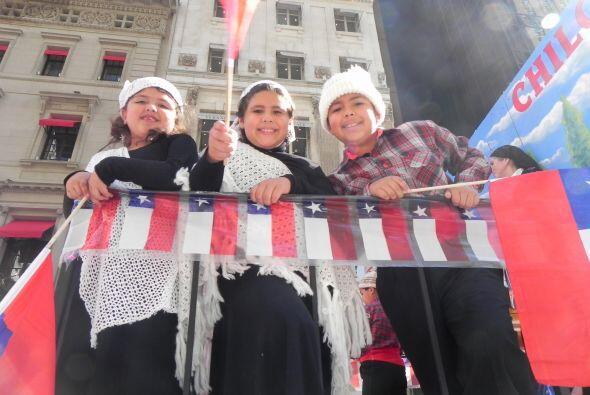 Los niños en el desfile de la Hispanidad 78b50bbc059c4b588d736dfbc7e002e...