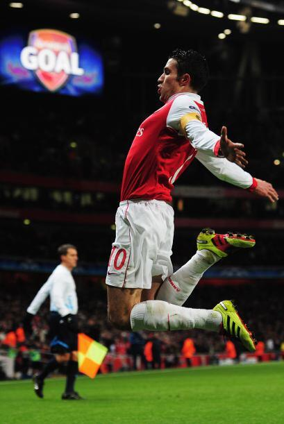 Robin van Persie convirtió el penalti que abrió el marcador.