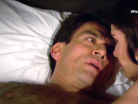 ¿Arturo y Julia pasaron una noche juntos?
