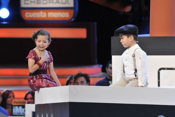 """Monse y Carlitos hicieron la versión para la pantalla chica de """"T..."""
