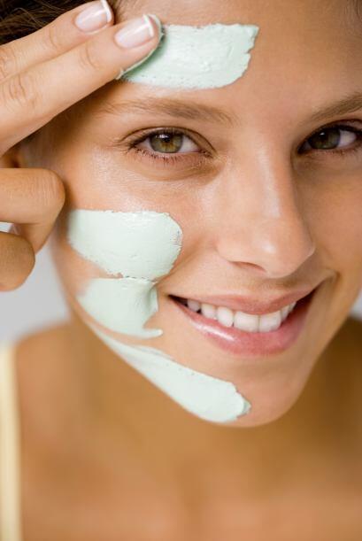 -Dedica especial atención a tu zona T: la frente, la nariz y la barbill...