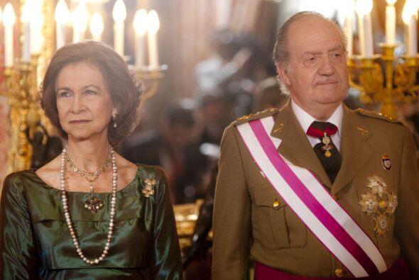 La reina Sofía y Juan Carlos asisten a una ceremonia de Pascua Militar e...