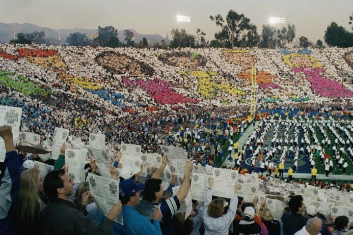 ¿El desangelado mosaico del América? AP-SuperBowl27.jpg