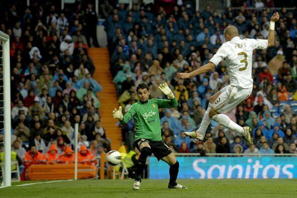 De una u otra forma, el Madrid se lanzaba en busca del empate de forma i...