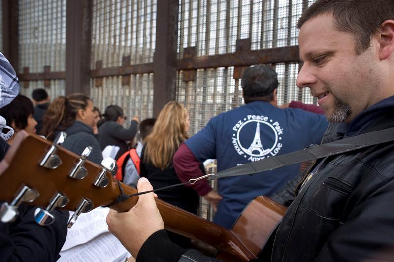 """""""Posadas sin fronteras"""", evento navideño por la inmigración David%20Schm..."""