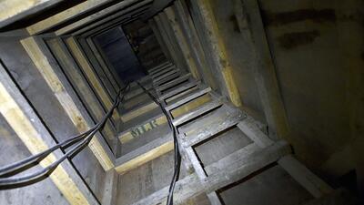 Organizaciones criminales emplean túneles como éste para trasiego de drogas