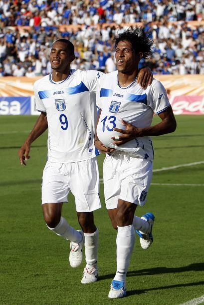 El nuevo duo dinámico de Honduras, jerry Bengston y Carlo Costly. anotar...