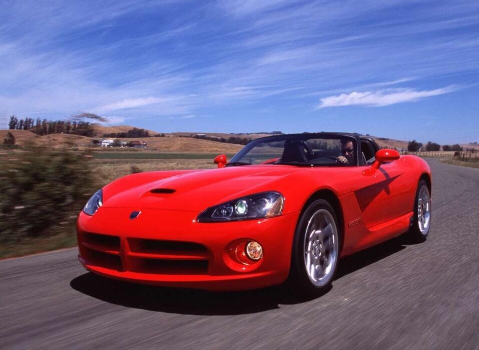 Fin de una era: Dodge construyó el último Viper Dodge-Viper_SRT10-2003-1...