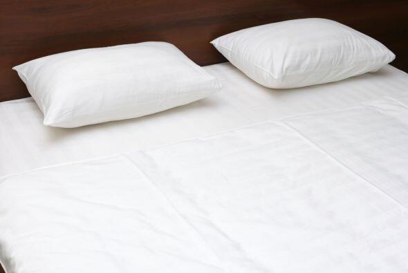Ropa de cama. Sábanas, almohadas y edredón deben ser lleva...