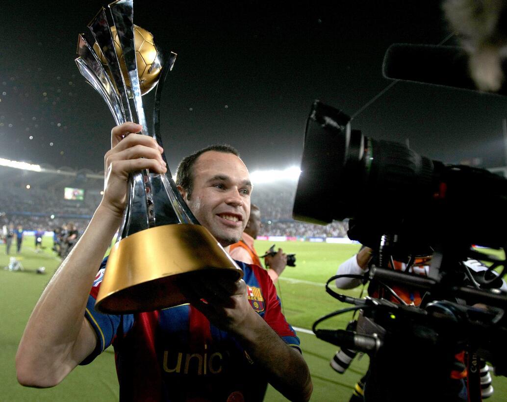 En Emiratos Árabes llegó el primer Mundial de Clubes para Andrés Iniesta...
