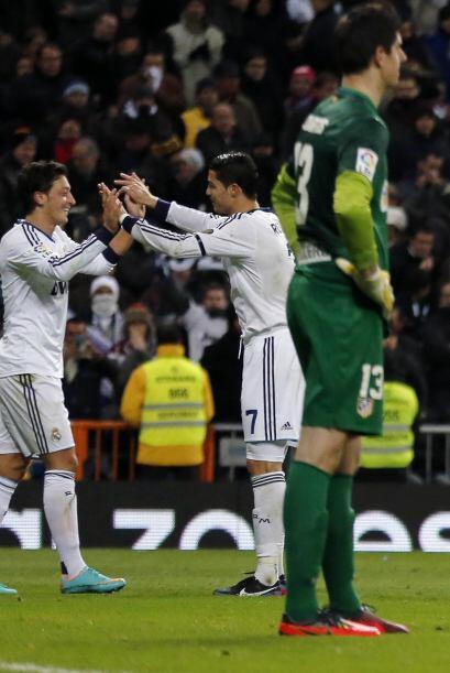 Con un gol de tiro libre y  asistencia para el tanto de Mesut Özil,...