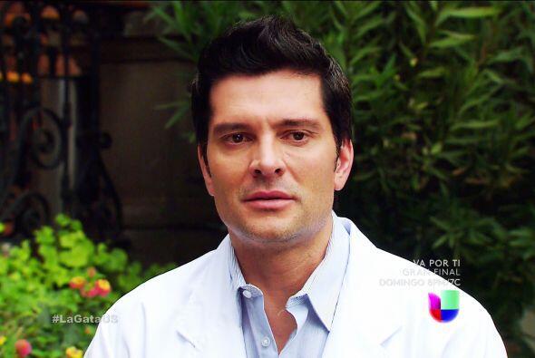 ¿Qué pasa Javier? Parece que tus pensamientos están ocupados por el amor.