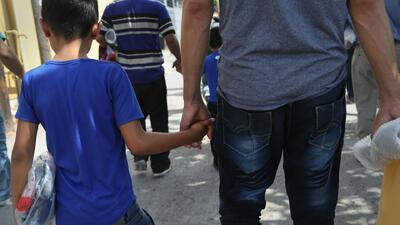 Siguen los esfuerzos para reunificar a las familias separadas en la frontera