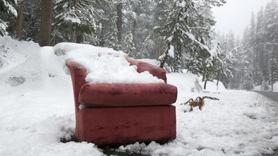 En fotos: A una semana del verano la nieve sorprende al norte de California