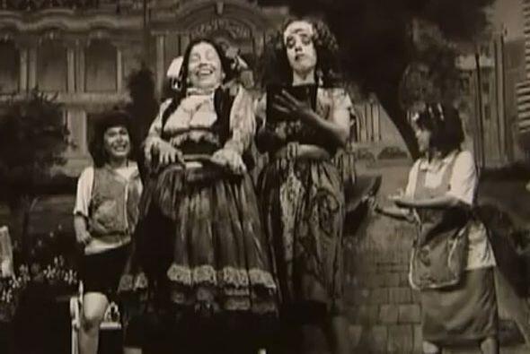 Pero su gran oportunidad fue cuando de ahí pasó al renombrado Teatro Bla...