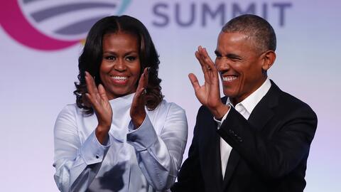 El expresidente Barack Obama y su esposa Michelle Obama enviaron una sen...