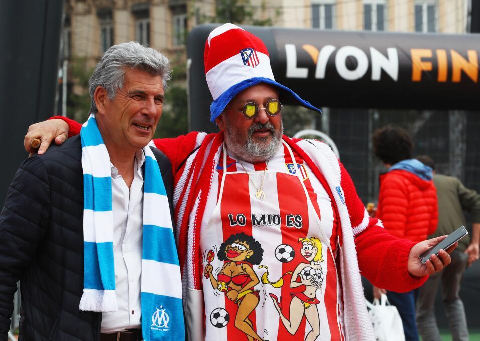Los aficionados del Atlético de Madrid y Marsella se tomaron las...