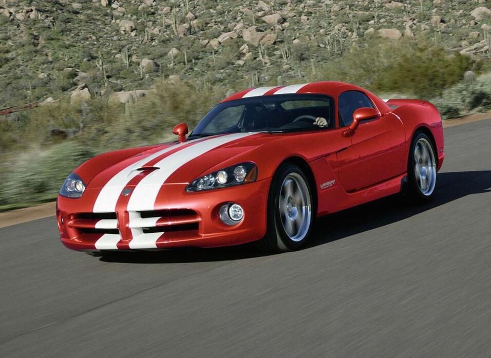 Fin de una era: Dodge construyó el último Viper Dodge-Viper_SRT10_Coupe-...