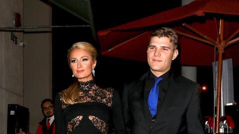Chris Zylka, prometido de Paris Hilton, es actor y también pinta....