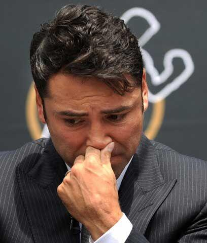 El adiós definitivoEl 14 de abril del 2009 Oscar De la Hoya anunció su r...