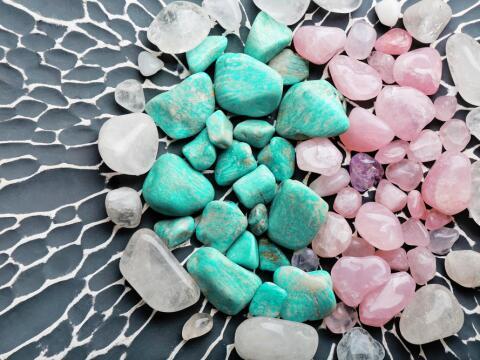 El cristal de cuarzo, ¡magneto que neutraliza la negatividad!