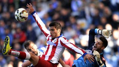 El Benfica piensa en una alternativa por si no llega el mexicano.