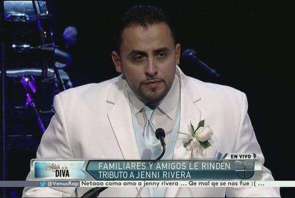 Juan Rivera, pidió mantener viva en sus corazones a Jenni Rivera.