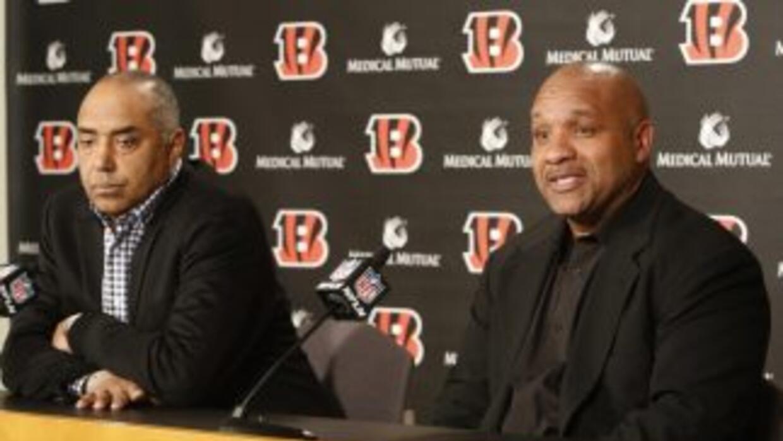 Hue Jackson es el nuevo coordinador ofensivo de los Bengals (AP-NFL).